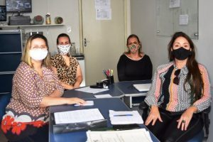 Prefeitura e SRE Manhuaçu viabilizam cadastro para o Bolsa Merenda
