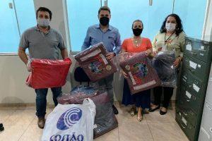 Gesto solidário: Loja Maçônica doa cobertores para famílias necessitadas em Manhuaçu