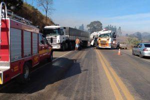 Neblina causa acidentes na BR 116 em São João do Manhuaçu