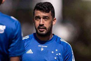Edilson nega negociação com o Avaí antes de rescisão com o Cruzeiro