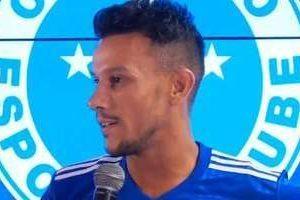 Henrique, do Cruzeiro, deve receber alta hospitalar nesta segunda-feira