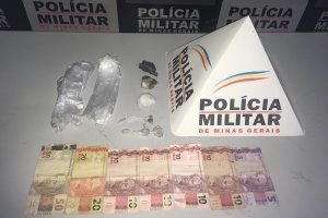 Manhumirim: PM apreende drogas no bairro Nossa Senhora da Penha