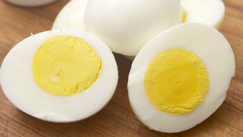 VIDA E SAÚDE: 5 motivos para você comer a gema do ovo