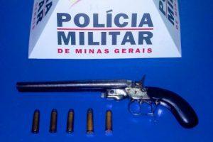Reduto: PM apreende drogas e arma