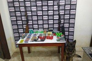 4 armas e mais de mil munições apreendidas pela PM