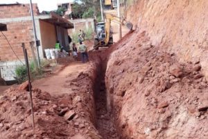 Manhuaçu: Iniciada construção de rede pluvial na rua dos Eucaliptos