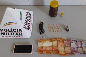 Mulher é presa por tráfico de drogas