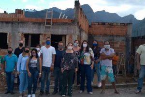 Secretária de saúde visita obra do Posto de Saúde de Palmeiras