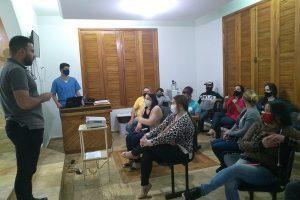 Projeto de castração e fluxo de atendimento é discutido com protetores de animais
