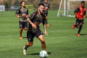 Sampaoli quer explorar versatilidade de Nathan no Atlético