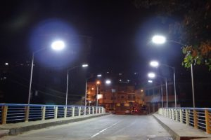 Pontes da cidade: Nova proteção lateral e iluminação na 'antiga ponte estreita'