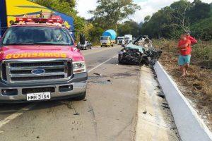 Manhuaçu: Jovem de 23 anos morre em colisão de carro com caminhão