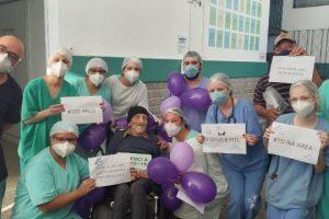 Paciente de 102 anos se recupera da Covid-19 no HCL