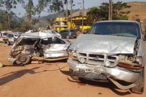 Colisão mata 3 jovens na BR 262 em Reduto