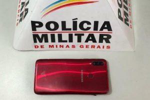 Manhuaçu: Roubam de taxista e são presos