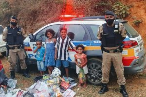Um gesto de carinho… PM visita crianças