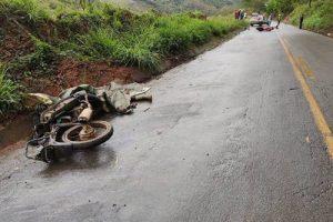 Alto Jequitibá: Dois motoqueiros morrem em colisão na MG-111