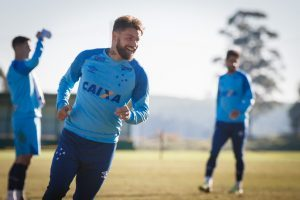 Cruzeiro oficializa retorno de Rafael Sobis