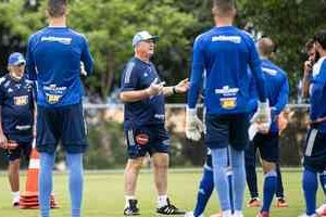 Cruzeiro tenta surpreender líder Chapecoense