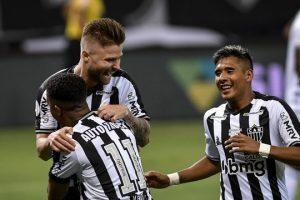 Atlético vence o Botafogo e segue líder