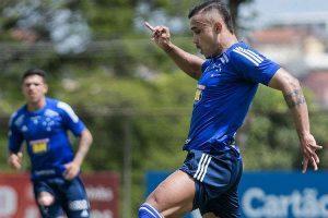 Pottker treina pela primeira vez no Cruzeiro