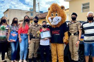 1700 alunos do PROERD em casa são formados em Manhuaçu
