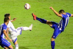 Cruzeiro cede empate no final contra o Avaí