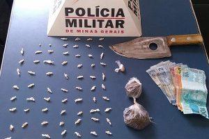 Mulher e menor encontrados com drogas em ônibus na zona rural de Manhuaçu