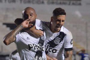 Ponte Preta faz dois gols relâmpagos e vence o Cruzeiro