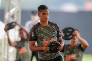 Atlético volta aos trabalhos em busca da liderança do Brasileirão