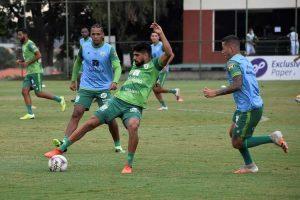 Atlético acerta com Caetano; América treina e Cruzeiro viaja