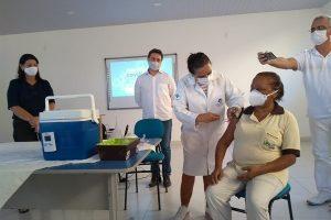 Manhuaçu inicia vacinação contra a Covid-19