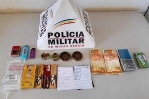 PM na região: Drogas são apreendidas em Abre Campo e Simonésia