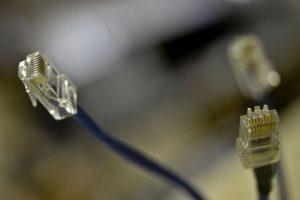 Governo prevê fibra ótica em 99% das cidades brasileiras