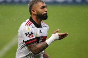 Brasileirão: Flamengo vence; Corinthians perde