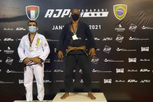 Atleta de Manhuaçu conquista medalha em campeonato de Jiu Jitsu