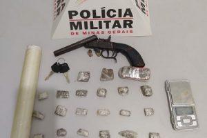 Prisão e apreensão de arma de munições em Pedra Bonita