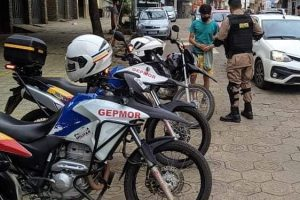 PM fiscaliza e autua motocicletas barulhentas