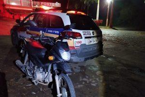 PM apreende menores por receptação e recupera motocicleta furtada