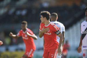 Inter segue líder; Vasco se afunda ainda mais