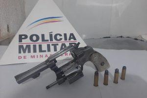 Manhuaçu: PM apreende arma de fogo e busca informações sobre fugitivo
