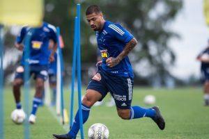 Cruzeiro inicia temporada com concentração