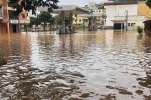 Manhuaçu passa por nova cheia do Rio Manhuaçu