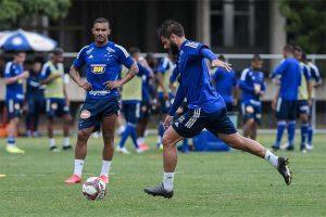 Cruzeiro prepara esboço do time em jogo-treino na Toca