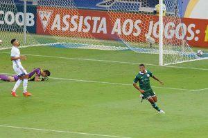Cruzeiro perde para Caldense no retorno ao Mineirão