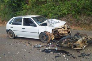 Jovem sofre ferimentos graves em acidente com motocicleta