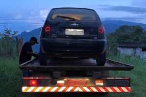 Veículo furtado é recuperado pela PM em Martins Soares