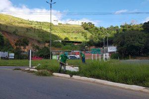 Samal realiza capina em diversos pontos da cidade