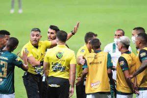 América: Salum diz que árbitro foi impedido de ir à cabine