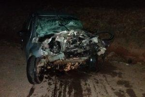 Mulher morre em colisão entre automóvel e caminhão em Manhuaçu